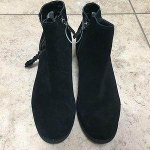 a58cd6f4563 Blondo Shoes - Blondo Black Suede Waterproof Linda Booties 7.5